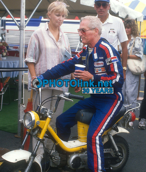 Paul Newman & wife Joanne Woodward 1983<br /> Photo By John Barrett/PHOTOlink.