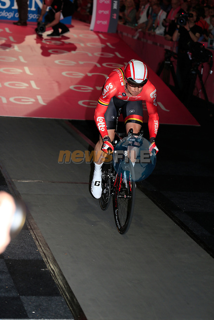 Andre Greipel (GER) Lotto-Soudal powers off the start ramp of Stage 1 of the 2016 Giro d'Italia, an individual time trial of 9.8km around Apeldoorn, The Nethrerlands. 6th May 2016.<br /> Picture: Eoin Clarke | Newsfile<br /> <br /> <br /> All photos usage must carry mandatory copyright credit (&copy; Newsfile | Eoin Clarke)