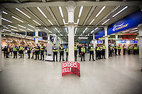 "16.10.2015 - ""Civil Disobedience Now, Solidarity with Migrants!"" at London Eurostar Terminus"