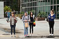 SÃO PAULO, SP, 26 DE JANEIRO DE 2012 - CLIMA TEMPO - Temperatura cai na tarde desta quinta-feira na capital, região da Avenida Paulista. FOTO: ALEXANDRE MOREIRA - NEWS FREE.