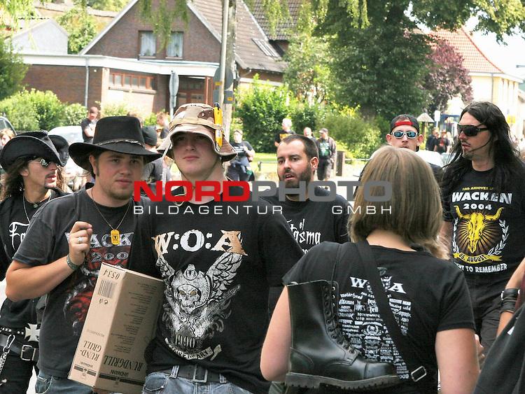 Wacken Heavy Metal Festival 2009<br /> <br /> 2.Tag beim Wacken Festival 2009. Die 70.000 Festivalbesucher feiern zu harten Heavy Metal Kl&auml;ngen nonstop. Ein Dorf im Ausnahmezustand.<br /> <br /> <br /> Foto &copy; nph (nordphoto)<br /> <br /> *** Local Caption ***