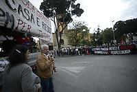 Roma, 3 Maggio 2014<br /> Corteo per la casa, contro la speculazione e la svendita del patrimonio pubblico per le Vie di Tor Sapienza.<br /> Verso il corteo del 12 Maggio.