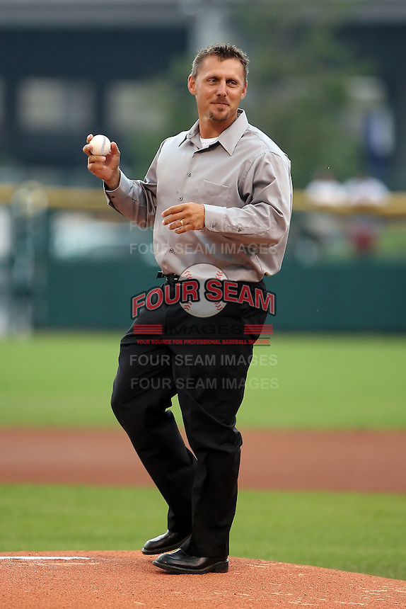 August 25th, 2007:  Bill Selby throws out a pitch during the 2007 Buffalo Bisons Hall of Fame Induction at Dunn Tire Park in Buffalo, NY.  Photo by Mike Janes/Four Seam Images