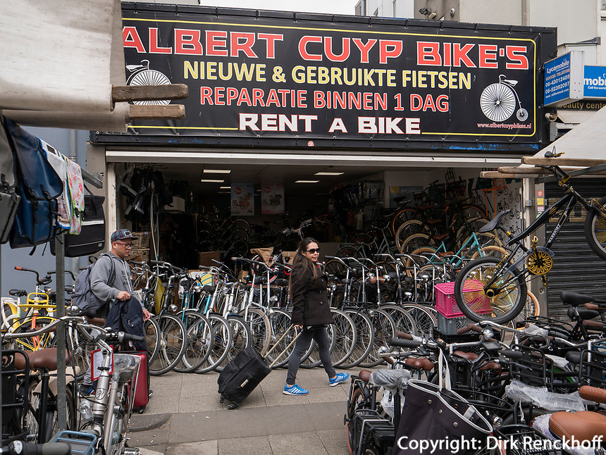 Fahrradh&auml;ndler am Albert Cuyp Markt  beim Rembrandsplein, Amsterdam, Provinz Nordholland, Niederlande<br /> bicycle dealer at Albert Cuyp Market  near Rembrandsplein, Amsterdam, Province North Holland, Netherlands