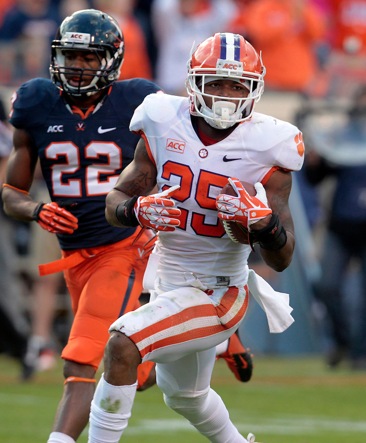 Clemson running back Roderick McDowell (25) during and NCAA football game at Scott Stadium in Charlottesville, VA. Clemson defeated Virginia 59-10. Photo/Andrew Shurtleff