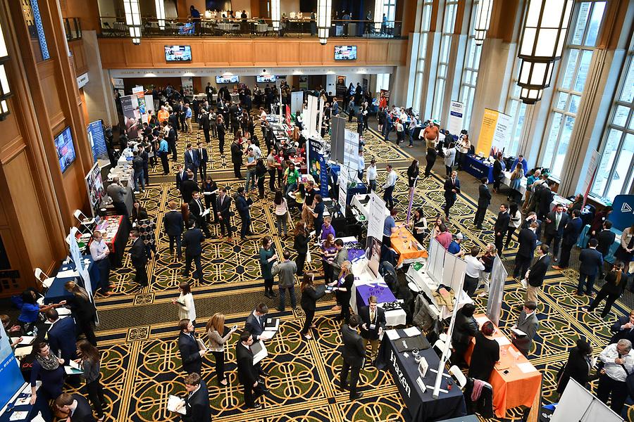 January 21, 2018; Career and Internship Fair in Danke Ballroom. (Photo by Matt Cashore/University of Notre Dame)