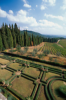 Italien, Toskana, Brolio in Chianti, Blick vom Castello, Weinberge