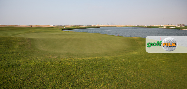 View of the 15th par 3 at Al Zorah Golf Club, Dubai, United Arab Emirates.  26/01/2016. Picture: Golffile | David Lloyd<br /> <br /> All photos usage must carry mandatory copyright credit (&copy; Golffile | David Lloyd)