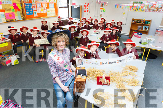 Brid O'Shea from Farranfore, pictured with her class in Holy Family School Tralee, will be representing Kerry at the 2017 Blue Jean Country Queen Festival.