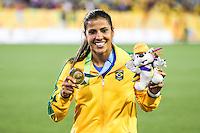 HAMILTON, CANADA, 25.07.2015 - PAN-FUTEBOL - Fabiana do Brasil comemora medalha de ouro após ganhar de 4 a 0 da Colombia em partida da final do futebol feminino nos jogos Pan-americanos no Estadio Tim Hortons em Hamilton no Canadá neste sábado, 25.  (Foto: William Volcov/Brazil Photo Press)