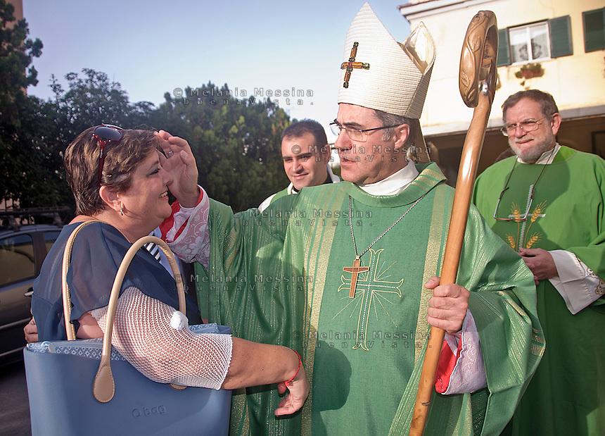 Lia Re  insieme al Vescovo di Palermo.<br /> Lia Re together to the bishop