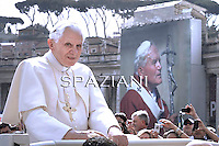 General audience Pope Benedict XVI  in St. Peter's Square at the Vatican. April 27/ May 4, 2011