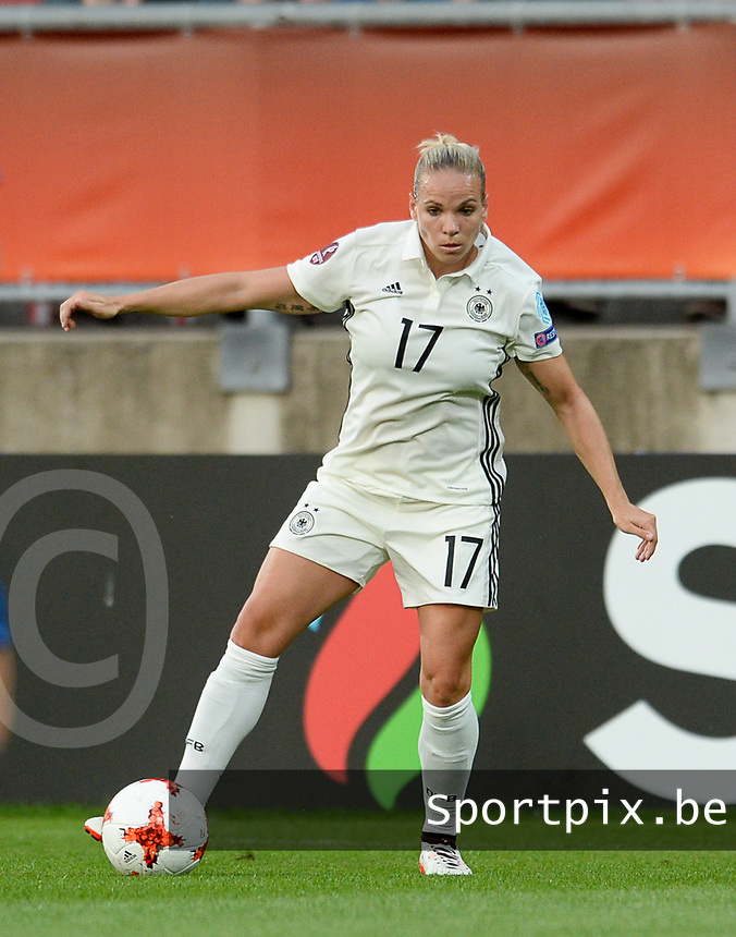 20170721 - TILBURG , NETHERLANDS : German Isabel Kerschowski  pictured during the female soccer game between Germany and Italy  , the second game in Group B at the Women's Euro 2017 , European Championship in The Netherlands 2017 , Friday 21th of july 2017 at Stadion Koning Willem II in Tilburg , The Netherlands PHOTO SPORTPIX.BE | DIRK VUYLSTEKE