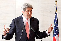 Il Segretario di Stato degli Stati Uniti John Kerry tiene una conferenza stampa congiunta col Ministro degli Esteri al termine del loro incontro alla Farnesina, Roma, 9 maggio 2013..U.S. Secretary of State John Kerry attends a joint press conference with Italian Foreign Minister at the Farnesina Foreign Ministry in Rome, 9 May 2013..UPDATE IMAGES PRESS/Riccardo De Luca