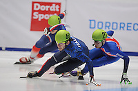 SHORTTRACK: DORDRECHT: Sportboulevard Dordrecht, 24-01-2015, ISU EK Shorttrack, Yuri CONFORTOLA (ITA | #40), Jack WHELBOURNE (GBR | #27), ©foto Martin de Jong