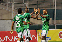 CALI - COLOMBIA - 13 - 09 -2015: Mateo Casierra, jugador de Deportivo Cali celebra el gol anotado a Deportivo Pasto, durante partido de la fecha 12 entre Deportivo Cali y Deportivo Pasto, de la Liga Aguila II 2015 en el estadio Deportivo Cali (Palmaseca) de la ciudad de Cali. / Mateo Casierra, player of Deportivo Cali celebrates a scored goal to Deportivo Pasto, during a match for the date 12 between Deportivo Cali and Cortulua, for the Liga Aguila II 2015 at the Deportivo Cali (Palmaseca) stadium in Cali city. Photo: VizzorImage /  NR / Cont.