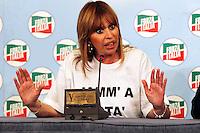 Silvio Berlusconi  a Napoli  Durante il  il suo tour a sostegno dei candidati presidenti alle prossime elezioni regionali<br /> nella foto  Alessandra Mussolini