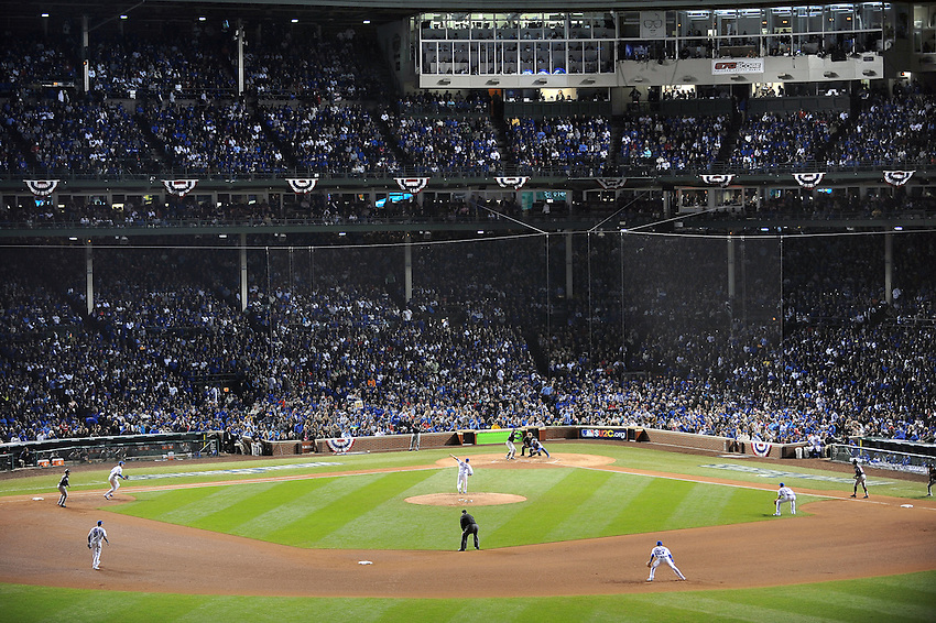 2016 World Series<br /> Cleveland Indians @ Chicago Cubs<br /> Game 4