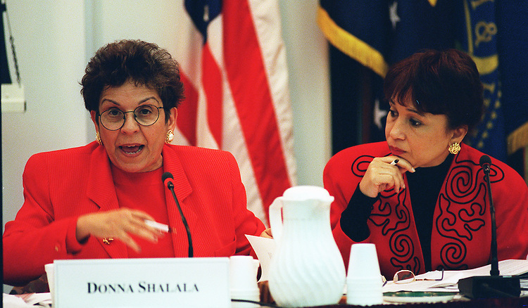 11/19/97.CONSUMER BILL OF RIGHTS:Secretary of Health and Human Services Secretary Donna E. Shalala and Secretary of Labor Alexas M. Herman during the meeting of the President's Advisory Commission on Consumer Protection and Quality in the Health Care Industry at the National Institutes of Health..CONGRESSIONAL QUARTERLY PHOTO BY DOUGLAS GRAHAM