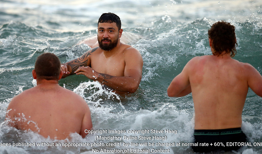 Hurricanes beach recovery session in Durban, South Africa. 30 May 2019. Photo: Steve Haag / stevehaagsports.com