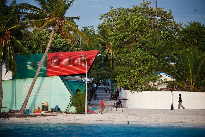 Thulusdhoo, the capital of the North Male Atolls, Maldives (Tuesday, June 16th, 2009). Photo: joliphotos.com