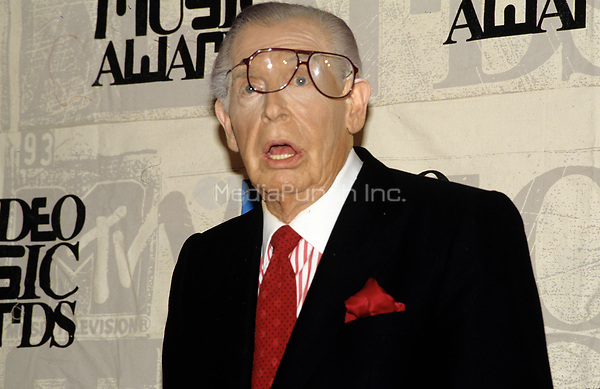 Milton Berle in 1993. © Scott Weiner /MediaPunch.