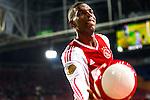 Nederland, Amsterdam, 15 september  2012.Seizoen 2012/2013.Eredivisie.Ajax-RKC 2-0.Ryan Babel van Ajax geeft een Ajax bal weg aan een supporter.