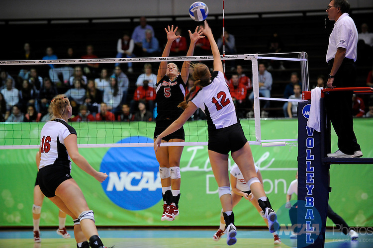 03 DEC 2010:  The University of Tampa takes on Central Missouri University in the volleyball semifinals at Knight Hall on the Bellarmine campus during the NCAA Division II National Championships Fall Festival in Louisville, KY.  Joshua Duplechian/NCAA Photos