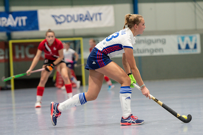Mannheim, Germany, November 29: During the Bundesliga indoor women hockey match between Mannheimer HC and TSV Mannheim on November 29, 2019 at Irma-Roechling-Halle in Mannheim, Germany. Final score 4-4. (Copyright Dirk Markgraf / 265-images.com) *** Jule Kosswig #23 of Mannheimer HC