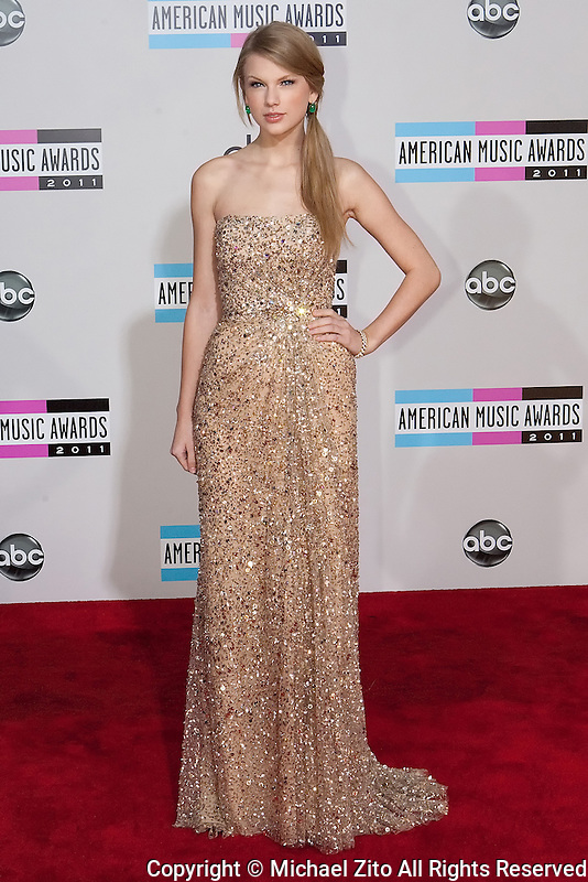 11/20/11 Los Angeles, CA: Taylor Swift during the arrivals at the 2011 American Music Awards held at the Nokia Theatre.