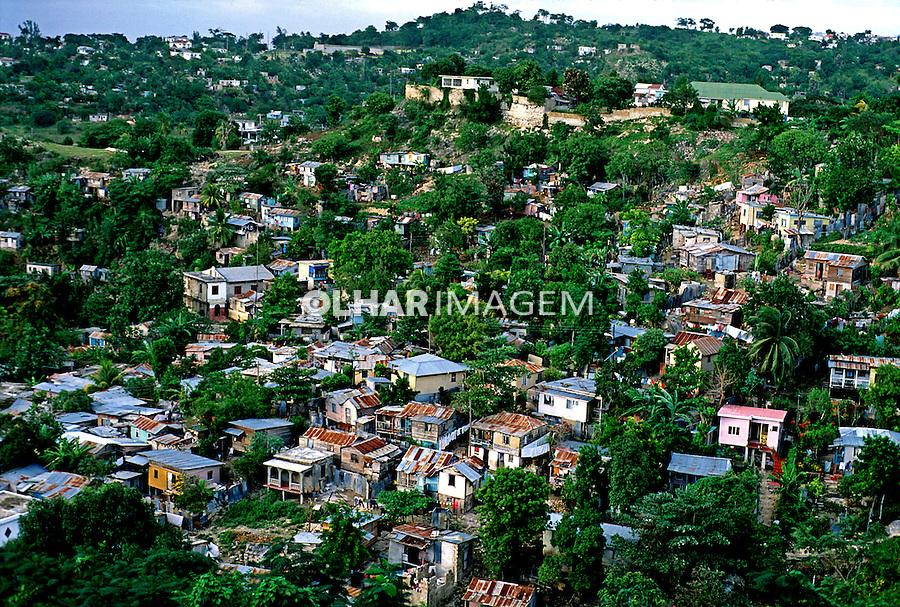 Casas populares em Montego Bay, Jamaica. 1994. Foto de Daniel Augusto Jr.