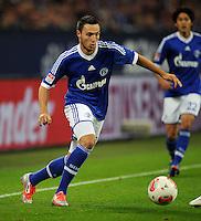 FUSSBALL   1. BUNDESLIGA   SAISON 2012/2013   5. SPIELTAG FC Schalke 04 - FSV Mainz 05                               25.09.2012        Marco Hoeger (FC Schalke 04) Einzelaktion am Ball