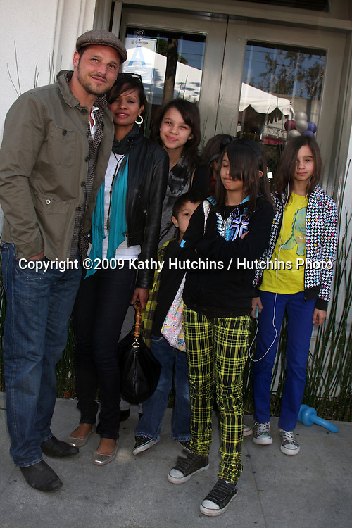 Justin Chambers   arriving at the 7th Annual John Varvatos Stuart House Benefit at the John Varvatos Store in West Hollywood, CA  on.March 8, 2009.©2009 Kathy Hutchins / Hutchins Photo...                .