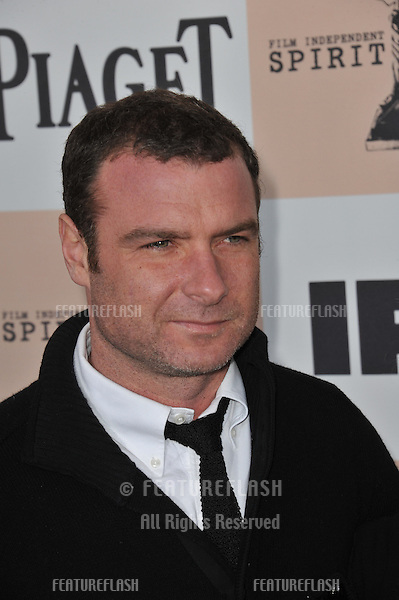 Liev Schreiber at the 2011 Film Independent Spirit Awards on the beach in Santa Monica, CA..February 26, 2011  Santa Monica, CA.Picture: Paul Smith / Featureflash