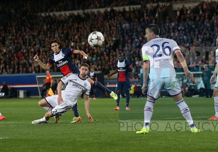 PSG's Edinson Cavani fires in a shot<br /> <br /> Paris Saint Germain vs Chelsea - Champions League - Parc Des Princes- Paris - France - 02/03/2014  - Pic David Klein/Sportimage