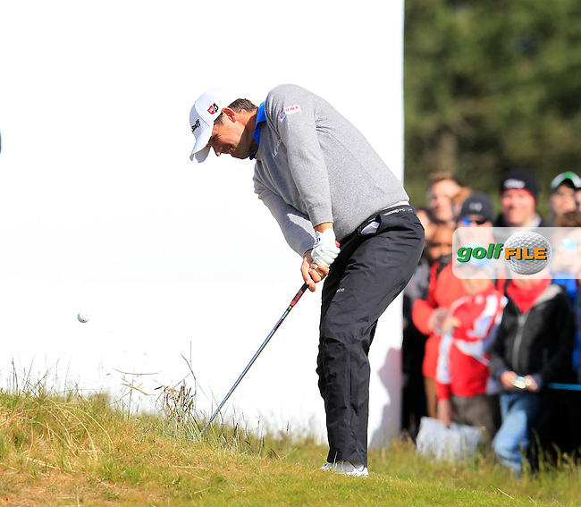 Padraig HARRINGTON (IRL) chips from the rough at the 18th green during Friday's Round 2 of the 2015 Dubai Duty Free Irish Open, Royal County Down Golf Club, Newcastle Co Down, Northern Ireland 5/29/2015<br />  Picture Eoin Clarke, www.golffile.ie