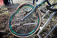 seriously damaged wheel and fork after crash in the juniors race<br /> <br /> Jaarmarktcross Niel 2014