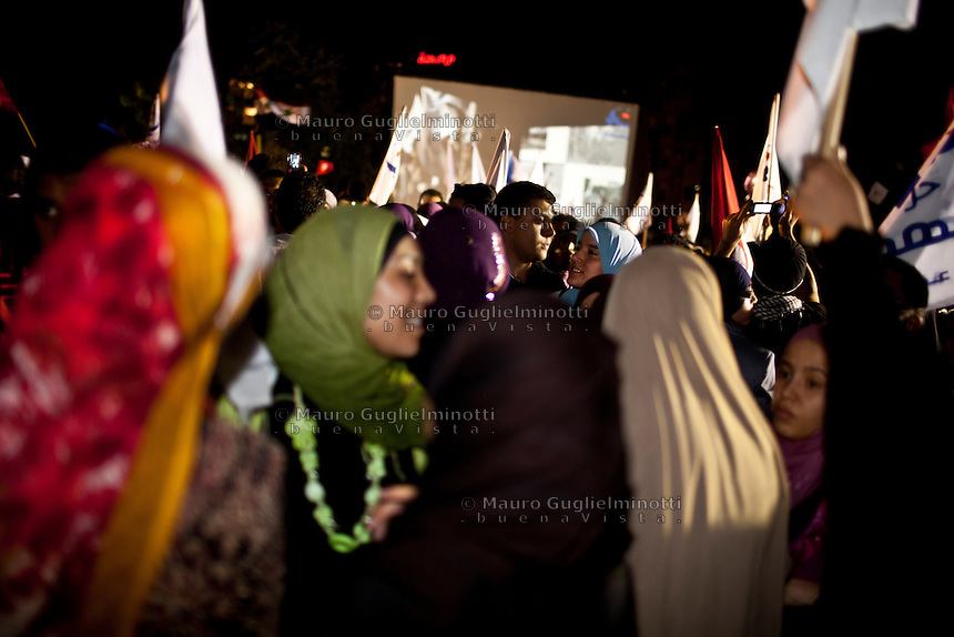 23 ottobre 2011 Tunisi, elezioni libere per l'Assemblea Costituente, le prime della Primavera araba: sostenitrici del partito Enhada festeggiano la vittoria la sera in cui vengono annunciati i risultati.<br /> premieres elections libres en Tunisie octobre <br /> tunisian elections october