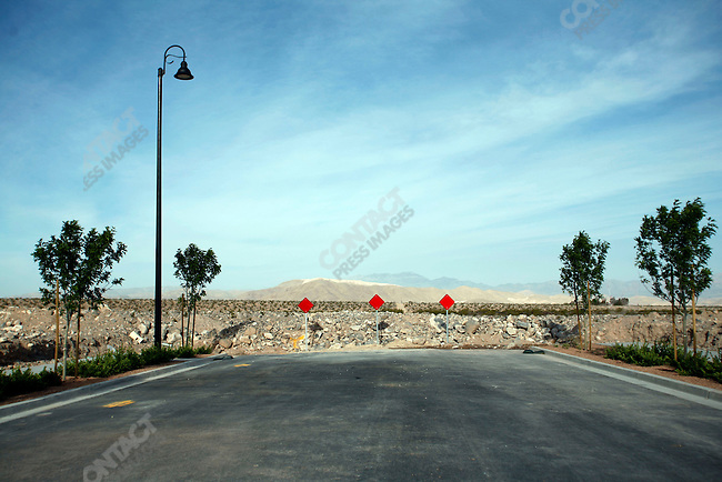 "At the newly constructed ""Inspirada"" in suburban Henderson, a road just ends, waiting for a new house to be built. Las Vegas, Nevada, April 15, 2008."