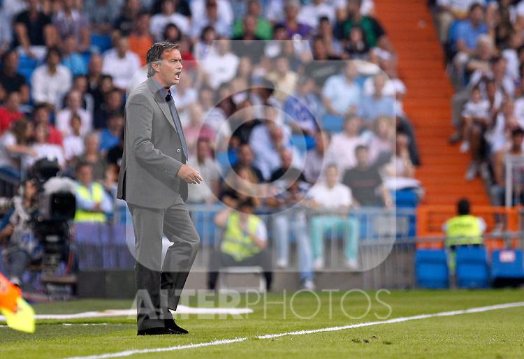Madrid (11/09/10).- Estadio Santiago Bernabeu..Campeonato Nacional de Liga 2ª Jornada..Real Madrid 1- Osasuna 0.Jose Mourinho...© Alex Cid-Fuentes/ALFAQUI