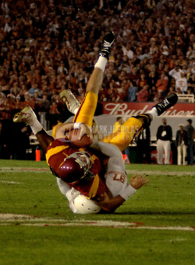 Jan 4, 2006; Pasadena, CA, USA; Southern California Trojans Texas Longhorns during the 2nd  quarter of the Rose Bowl Game at the Rose Bowl in Pasadena, California. Mandatory Credit: Mark J. Rebilas-US PRESSWIRE Copyright © 2006 Mark J. Rebilas