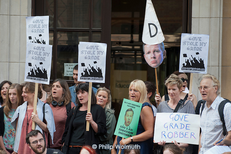 Teachers protest outside the Department for Education over changes in GCSE grade boundaries.