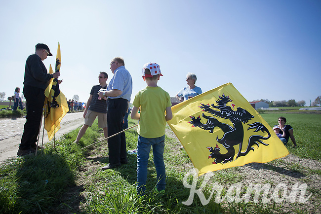 Fans<br /> <br /> 115th Paris-Roubaix 2017 (1.UWT)<br /> One day race: Compiègne > Roubaix (257km)