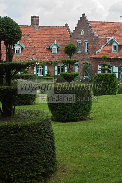 Europe/France/Nord-Pas-de-Calais/59/Nord/Cassel:  Ferme du Mont des Vautours (Wouwenberghof) ou Ferme du Monts des Récolllets les jardins d' inspiration flamande