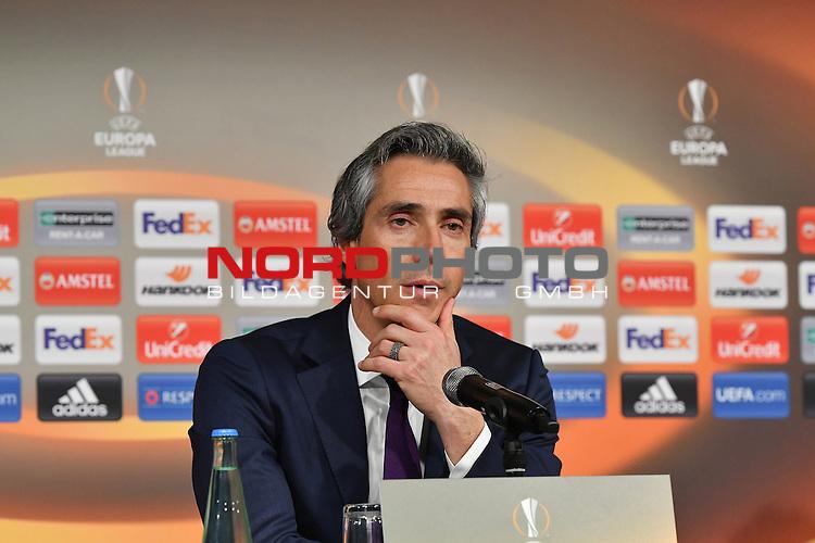 16.02.2017, Borussia Park , Moenchengladbach , EL, Sechzehntelfinale, Hinspiel GER, Borussia M&ouml;nchengladbach (GER) vs. AC Florenz ( ITA)<br /> im Bild:<br /> Pressekonferenz nach Ende des Spiels sehr erfreut und euphorisch Trainer/ Headcoach Paulo Sousa (AC Florenz)<br /> <br /> <br /> <br /> Foto &copy; nordphoto / Meuter