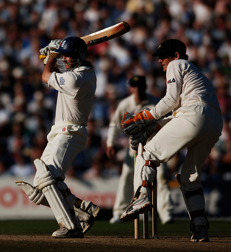 Photo: Glyn Thomas..England v Australia. nPower Test Series. The Ashes 2005..08/09/2005..England's Andrew Strauss (L) hits out.