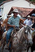 SÃO LUIZ DO PARAITINGA, SP, 26 DE MAIO DE 2012 - FESTA DO DIVINO - Apresentação de Cavalhada na tarde deste sabado (26)  durante Festa do Divino de São Luiz do Paraitinga, que acontece neste final de semana. FOTO: LEVI BIANCO - BRAZIL PHOTO PRESS