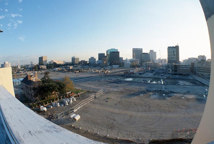 1996 November 21..Redevelopment..Macarthur Center.Downtown North (R-8)..LOOKING SOUTH FROM FREEMASON GARAGE...NEG#.NRHA#..