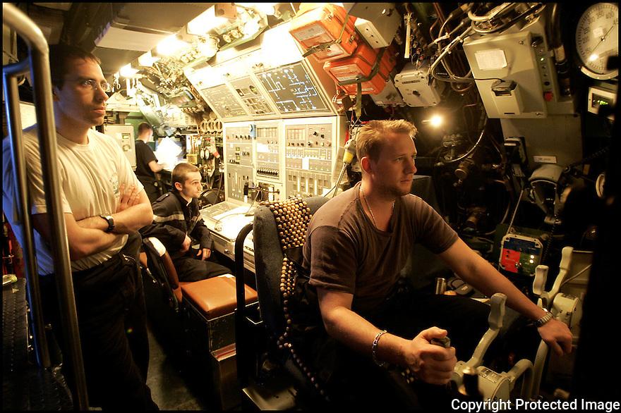 SNA Saphir,<br /> Sous-marin nucl&eacute;aire d'attaque.<br /> Barreur.