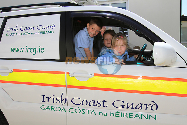 Members of the Irish Coast Guard Drogheda Unit payed a visit to Mt Hanover N.S. for there water safety and awareness talk. Pictured Devan Coleman, Aine O'Sullivan and Emily McGrath.Picture Fran Caffrey/Newsfile.ie